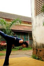 Tiger Shroff_s pictures doing gymnastics (2).JPG