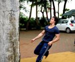 Tiger Shroff_s pictures doing gymnastics (18).JPG