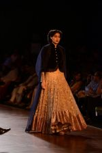 Model walks for Manish Malhotra show at PCJ Delhi Couture Week 2013 on 4th Aug 2013 (179).JPG