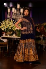 Model walks for Manish Malhotra show at PCJ Delhi Couture Week 2013 on 4th Aug 2013 (185).JPG