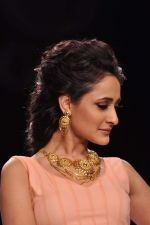 Model walk the ramp for Gia on Day 3 of IIJW 2013 on 6th Aug 2013 (74).JPG