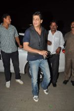 Shahrukh Khan snapped during photoshoot at Mehboob Studios in Mumbai on 6th Aug 2013 (48).JPG