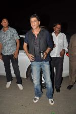Shahrukh Khan snapped during photoshoot at Mehboob Studios in Mumbai on 6th Aug 2013 (51).JPG