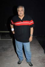 Satish Shah at Photo shoot with the cast of Club 60 in Filmistan, Mumbai on 7th Aug 2013 (3).JPG