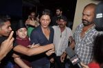 Shahrukh Khan at the special screening of Chennai Express in PVR, Mumbai on 8th Aug 2013 (17).JPG