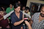 Shahrukh Khan at the special screening of Chennai Express in PVR, Mumbai on 8th Aug 2013 (22).JPG