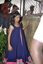 Suhana Khan at Shahrukh Khan_s Eid Party on 9th Aug 2013 (199).JPG