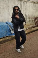 Apache Indian shoots with Raghav for new video in Malad, Mumbai on 10th Aug 2013 (29).JPG