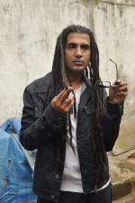 Apache Indian shoots with Raghav for new video in Malad, Mumbai on 10th Aug 2013 (39).JPG