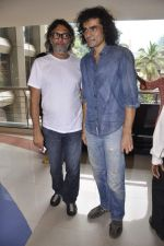 Rakeysh Omprakash Mehra, Imtiaz Ali at Tamil film Maryan_s screening in Fun, Mumbai on 10th Aug 2013 (13).JPG