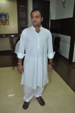 Sajid at Sajid-Wajid_s father_s prayer meet in Mumbai on 11th Aug 2013 (5).JPG