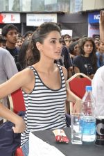 Nargis Fakhri at NM College_s Umang Fest in Vile Parle, Mumbai on 16th Aug 2013 (31).JPG