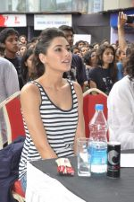 Nargis Fakhri at NM College_s Umang Fest in Vile Parle, Mumbai on 16th Aug 2013 (32).JPG