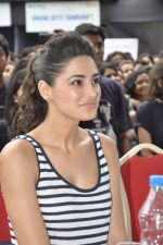 Nargis Fakhri at NM College_s Umang Fest in Vile Parle, Mumbai on 16th Aug 2013 (33).JPG