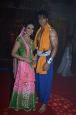 Divyanka Tripathi, Nishant Malkani at Big Magic Janmasthami episode shoot in Mumbai on 17th Aug 2013 (10).JPG