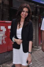 Karishma Tanna at Grand Masti promotions in Malhar, Mumbai on 17th Aug 2013 (89).JPG