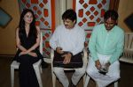 Udit narayan, Suman Negi at the Recording song of movie My Name is Suman negi in Empire Studio on 19th Aug 2013 (5).JPG