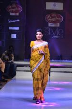 Model walk the ramp for Nitya Singh at the Signature Premier Pune Style Week 2013 on 19th Aug 2013 (10).JPG
