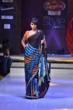 Model walk the ramp for Nitya Singh at the Signature Premier Pune Style Week 2013 on 19th Aug 2013 (12).JPG