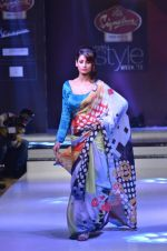 Model walk the ramp for Nitya Singh at the Signature Premier Pune Style Week 2013 on 19th Aug 2013 (9).JPG