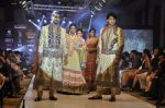 Model walk the ramp for Riyaz Gangji at the Signature Premier Pune Style Week 2013 on 19th Aug 2013 (18).JPG