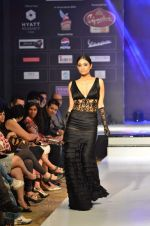 Model walk the ramp for Rocky S at the Signature Premier Pune Style Week 2013 on 19th Aug 2013 (2).JPG