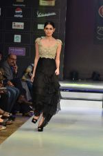 Model walk the ramp for Rocky S at the Signature Premier Pune Style Week 2013 on 19th Aug 2013 (9).JPG