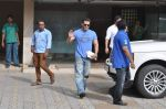 Salman Khan snapped with family in Mumbai on 20th Aug 2013 (36).JPG