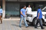 Salman Khan snapped with family in Mumbai on 20th Aug 2013 (40).JPG