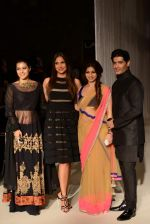 Kajol, Lara Dutta, Tanisha Mukherjee, Manish Malhotra walk the ramp for Manish Malhotra_s show at LFW 2013 in Grand Haytt, Mumbai on 22nd Aug 2013 (54).JPG