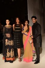 Kajol, Lara Dutta, Tanisha Mukherjee, Manish Malhotra walk the ramp for Manish Malhotra_s show at LFW 2013 in Grand Haytt, Mumbai on 22nd Aug 2013 (57).JPG