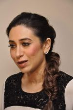 Karisma Kapoor at Driver_s Day event in Trident, Mumbai on 23rd Aug 2013 (38).JPG