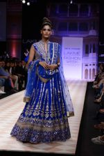 Model walk the ramp for Anita Dongre show at LFW 2013 Day 1 in Grand Haytt, Mumbai on 23rd Aug 2013 (100).JPG