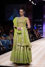 Model walk the ramp for Anita Dongre show at LFW 2013 Day 1 in Grand Haytt, Mumbai on 23rd Aug 2013 (89).JPG