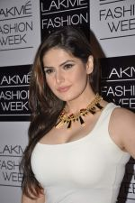 Zarine Khan on Day 2 at LFW 2013 in Grand Haytt, Mumbai on 24th Aug 2013 (147).JPG