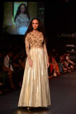 Model walk the ramp for Vikram Phadnis show at LFW 2013 Day 3 in Grand Haytt, Mumbai on 25th Aug 2013 (106).JPG