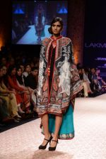 Model walk the ramp for Ritu Kumar show at LFW 2013 Day 4 in Grand Haytt, Mumbai on 26th Aug 2013 (143).JPG