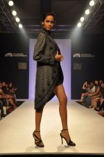 Model walk the ramp for Talent Box Jayaswal show at LFW 2013 Day 4 in Grand Haytt, Mumbai on 26th Aug 2013 (117).JPG