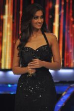 Ileana D_Cruz on the sets of Jhalak 6 in Mumbai on 27th Aug 2013,1 (92).JPG