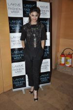 Puja Gupta on Day 5 at LFW 2013 in Grand Haytt, Mumbai on 27th Aug 2013(148).JPG