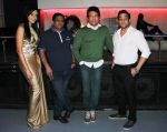Shekhar Suman, Abhishek Awasthi, Rozlyn Khan at Rozlyn Khan_s bday bash in Rock Bottom, Mumbai on 28th Aug 2013 (67).JPG