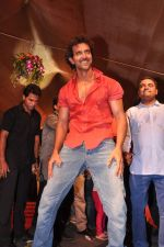 Hrithik Roshan at Pratap Sarnaik_s dahi handi in Thane Mumbai on 29th Aug 2013 (191).JPG