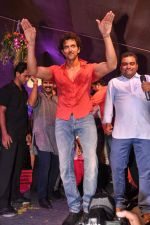 Hrithik Roshan at Pratap Sarnaik_s dahi handi in Thane Mumbai on 29th Aug 2013 (193).JPG