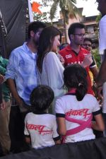 Jacqueline Fernandez at Pratap Sarnaik_s dahi handi in Thane Mumbai on 29th Aug 2013 (59).JPG
