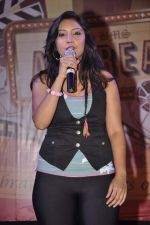 Puja Gupta 1 at Mickey Virus promotions at Wilson college in Mumbai on 1st Sept 2013 (59).JPG