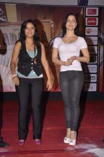 Puja Gupta 1, Elli Avram at Mickey Virus promotions at Wilson college in Mumbai on 1st Sept 2013 (73).JPG