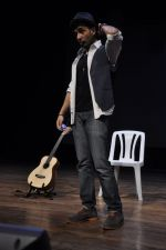 Vir Das rehearses for Battle of Sexes play in Mumbai on 2nd Sept 2013 (20).JPG