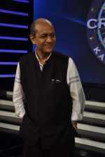 Siddharth Basu gives a KBC set tour in Yash Raj Studios on 3rd Sept 2013 (1).JPG