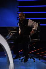 Siddharth Basu gives a KBC set tour in Yash Raj Studios on 3rd Sept 2013 (19).JPG