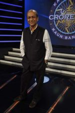 Siddharth Basu gives a KBC set tour in Yash Raj Studios on 3rd Sept 2013 (28).JPG